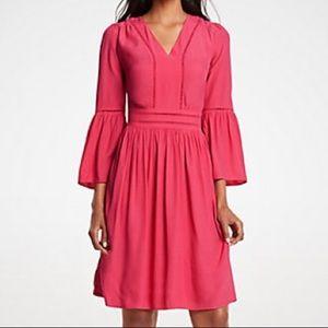 🆕 Ann Taylor cutout flare sleeve dress size 8